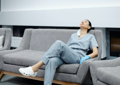 Helpful tips to tackle burnout in the healthcare industry